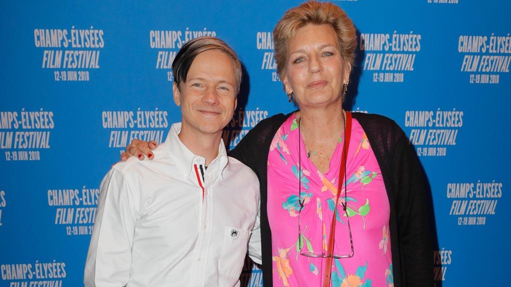 Sophie Dulac avec le réalisateur John Cameron Mitchell