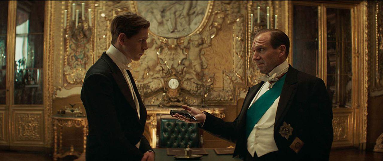 The King's Man : Première Mission avec Ralph Fiennes et Harris Dickinson