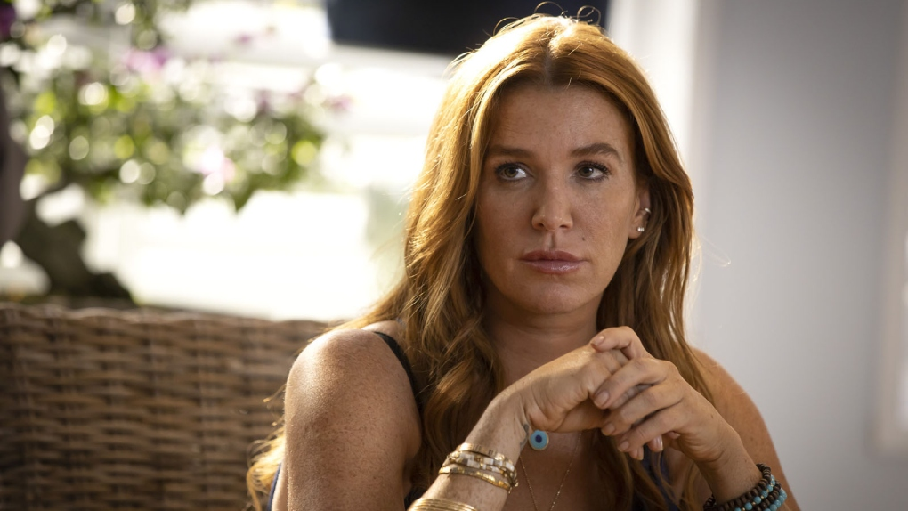 Poppy Montgomery - Carrie Wells