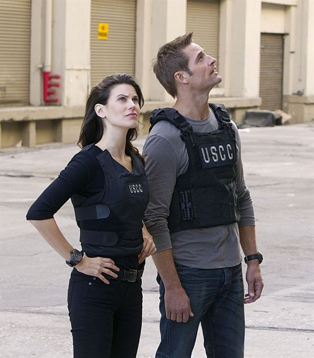 Photo Josh Holloway, Meghan Ory