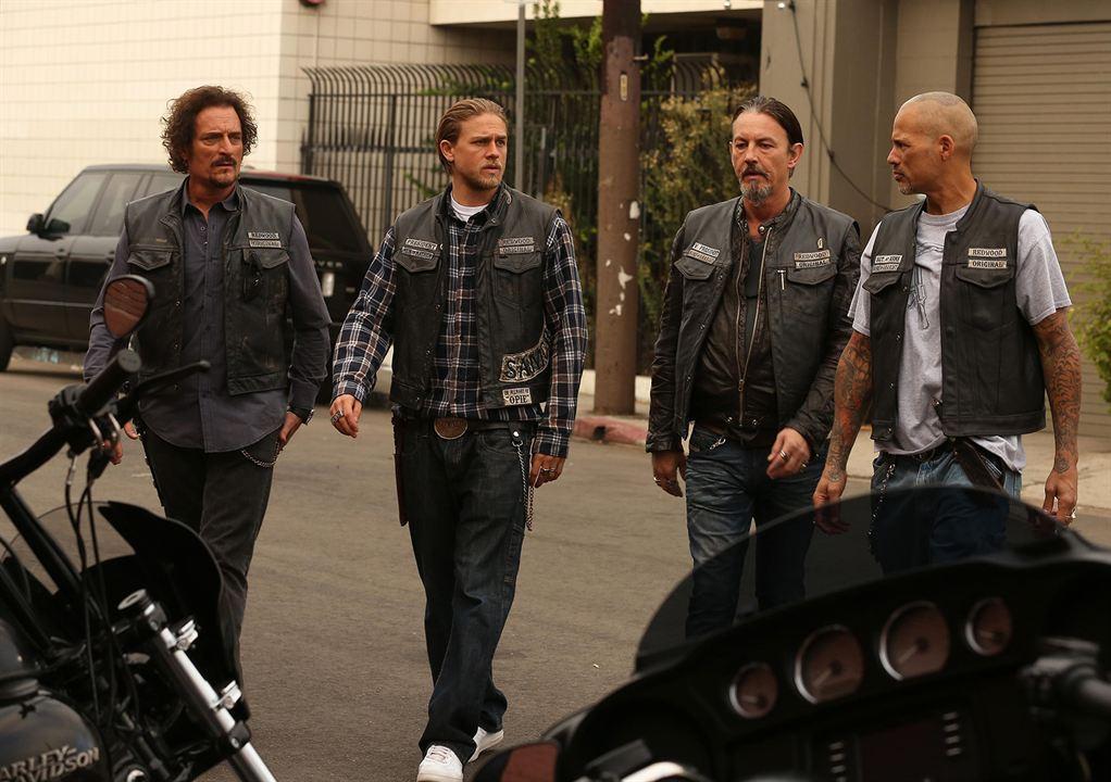 Photo Charlie Hunnam, David Labrava, Kim Coates, Tommy Flanagan
