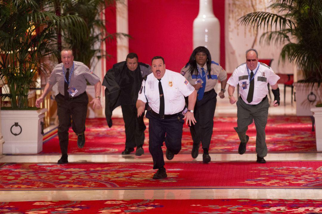 Paul Blart: Mall Cop 2 : Photo Gary Valentine, Kevin James, Loni Love, Shelly Desai, Vic Dibitetto