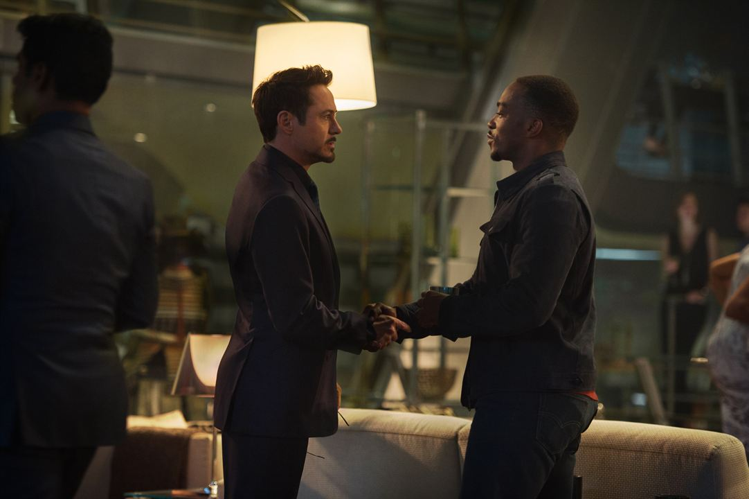 Avengers : L'ère d'Ultron : Photo Anthony Mackie, Robert Downey Jr.