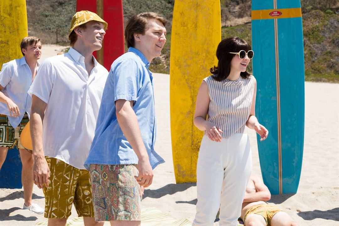 Love & Mercy, la véritable histoire de Brian Wilson des Beach Boys : Photo Brett Davern, Erin Darke, Jake Abel, Paul Dano