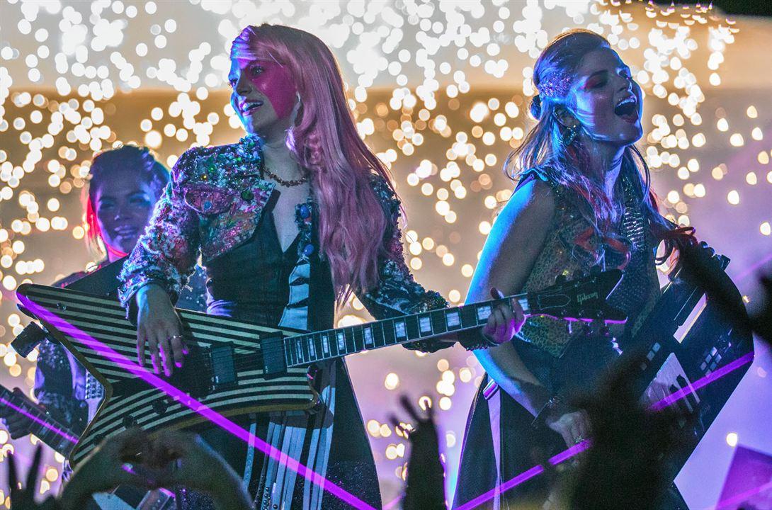 Jem et les Hologrammes : Photo Aubrey Peeples, Hayley Kiyoko