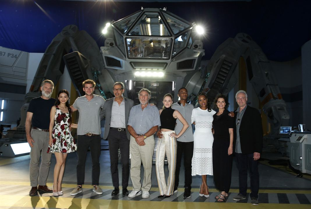 Independence Day : Resurgence : Photo promotionnelle Bill Pullman, Grace Huang, Jeff Goldblum, Jessie T. Usher, Judd Hirsch