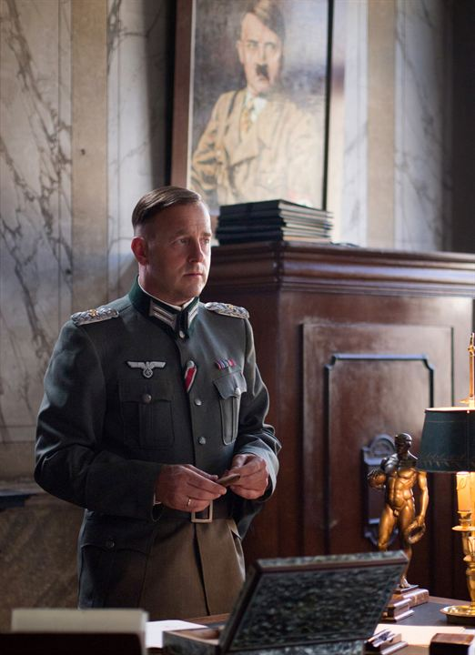 suite française Suite francaise 25,733 likes 46 talking about this a film based on the series of books written by irène némirovsky, suite francaise is an epic story.
