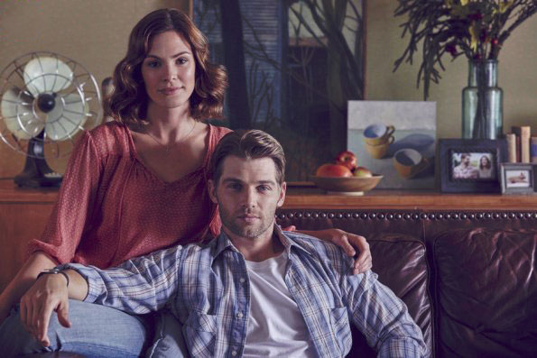 Photo Daisy Betts, Mike Vogel