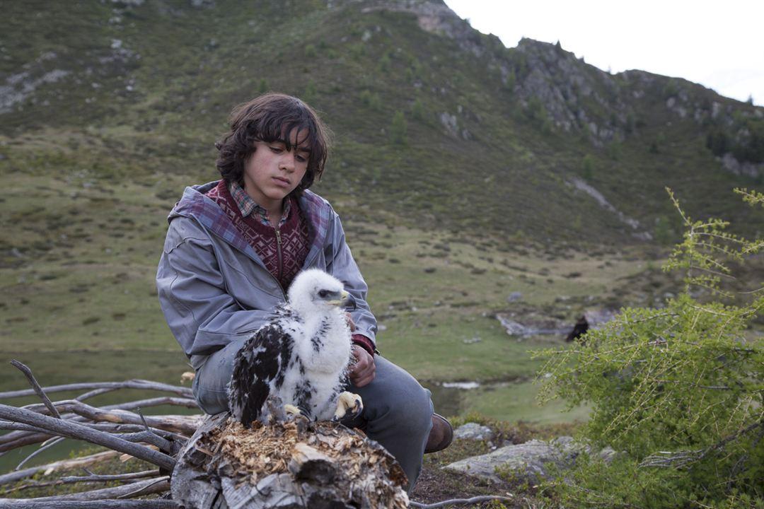 L' Aigle et l'Enfant : Photo Manuel Camacho
