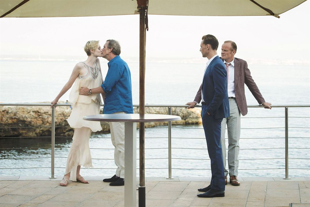 Photo Alistair Petrie, Elizabeth Debicki, Hugh Laurie, Tom Hiddleston