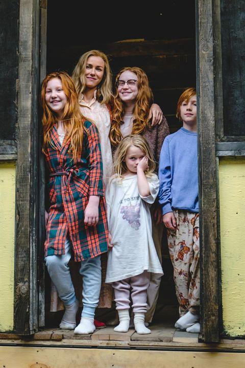 Le Château de verre : Photo Charlie Shotwell, Eden Grace Redfield, Ella Anderson, Naomi Watts, Sadie Sink