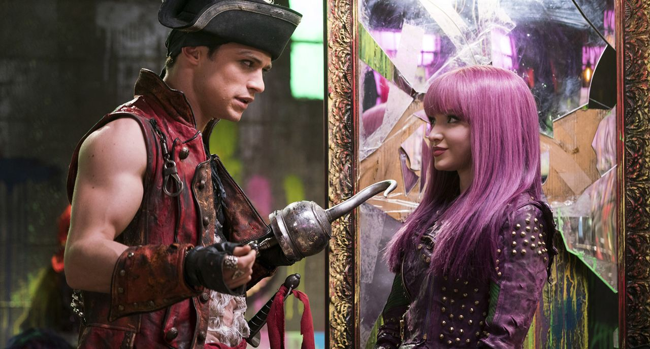 Descendants 2 : Photo Dove Cameron, Thomas Doherty