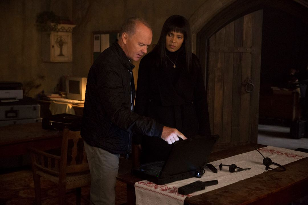 American Assassin : Photo Michael Keaton, Sanaa Lathan