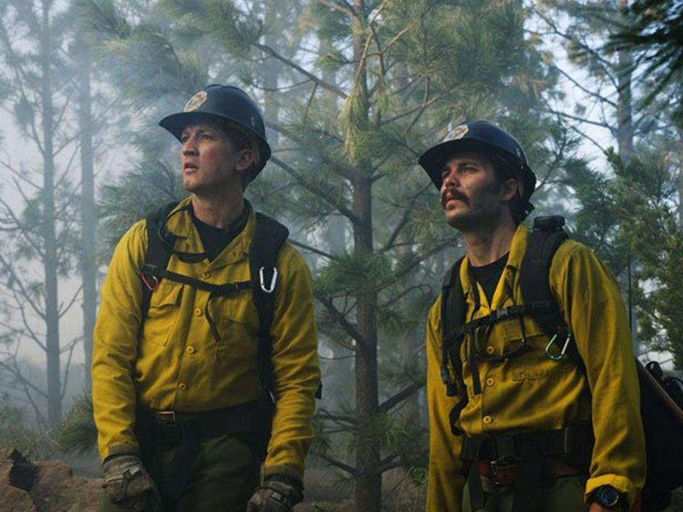 Line of Fire : Photo Josh Brolin, Miles Teller