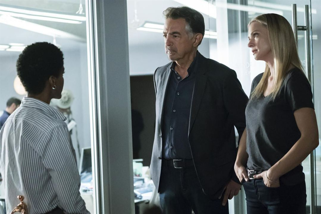 Photo A.J. Cook, Joe Mantegna, Kim Hawthorne