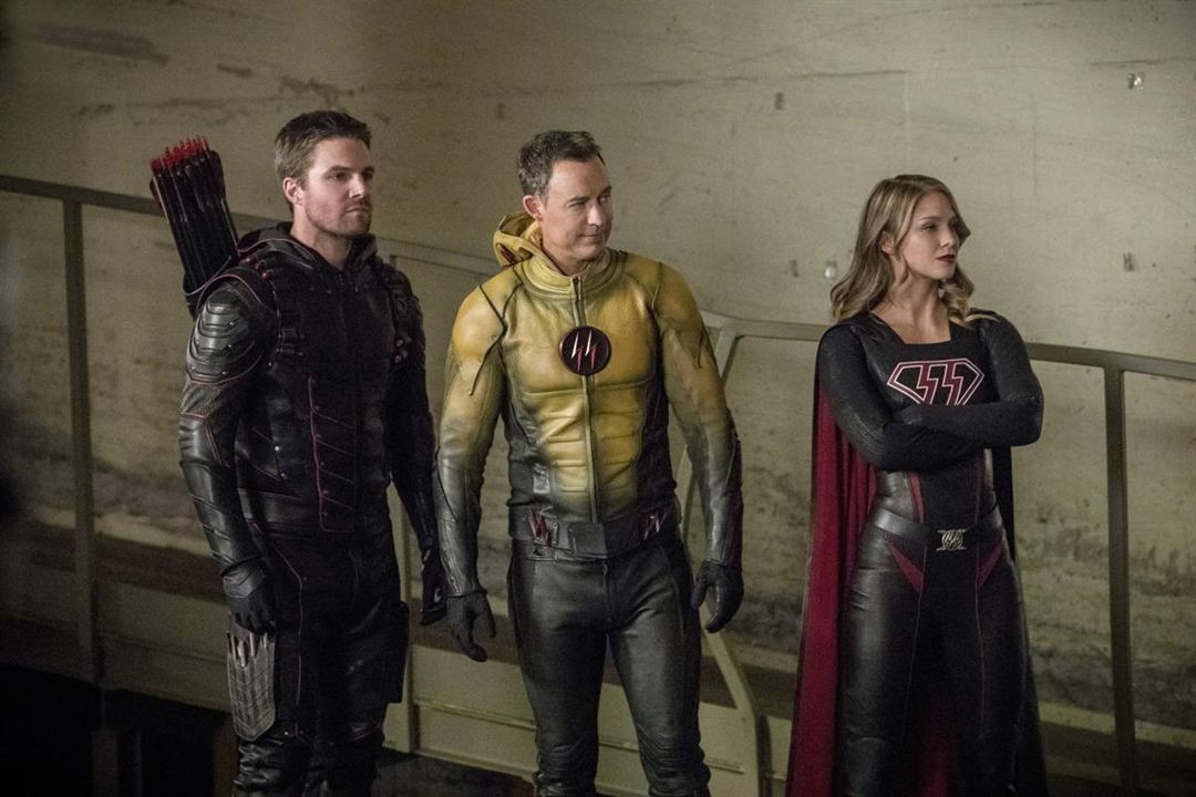 Photo Melissa Benoist, Stephen Amell, Tom Cavanagh