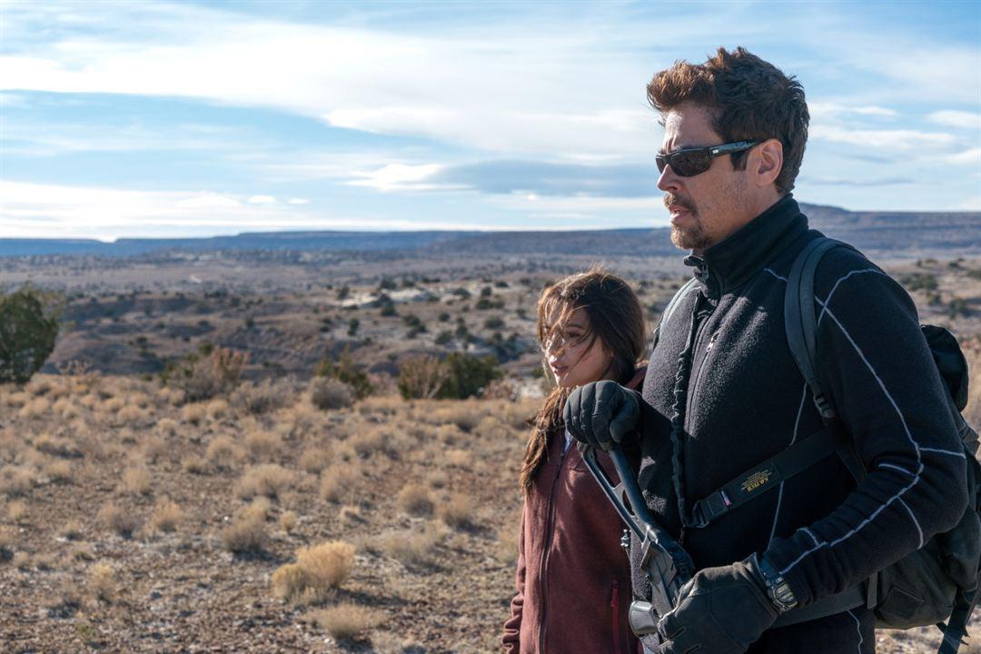 Sicario La Guerre des Cartels : Photo Benicio Del Toro, Isabela Merced