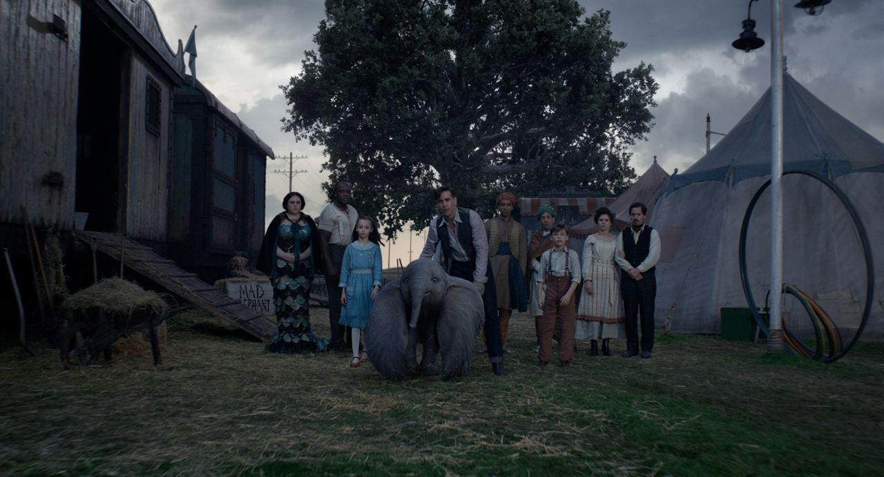 Dumbo : Photo Colin Farrell, Deobia Oparei, Finley Hobbins, Miguel Muñoz, Nico Parker