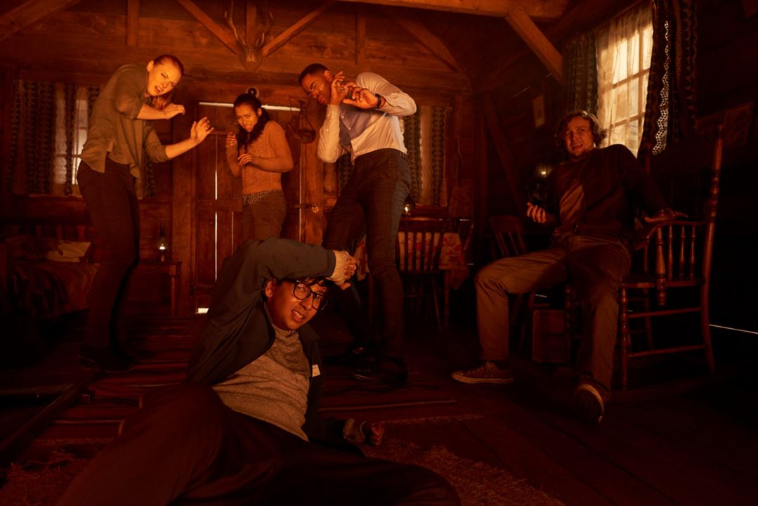 Escape Game : Photo Deborah Ann Woll, Jay Ellis, Logan Miller, Nik Dodani, Taylor Russell McKenzie