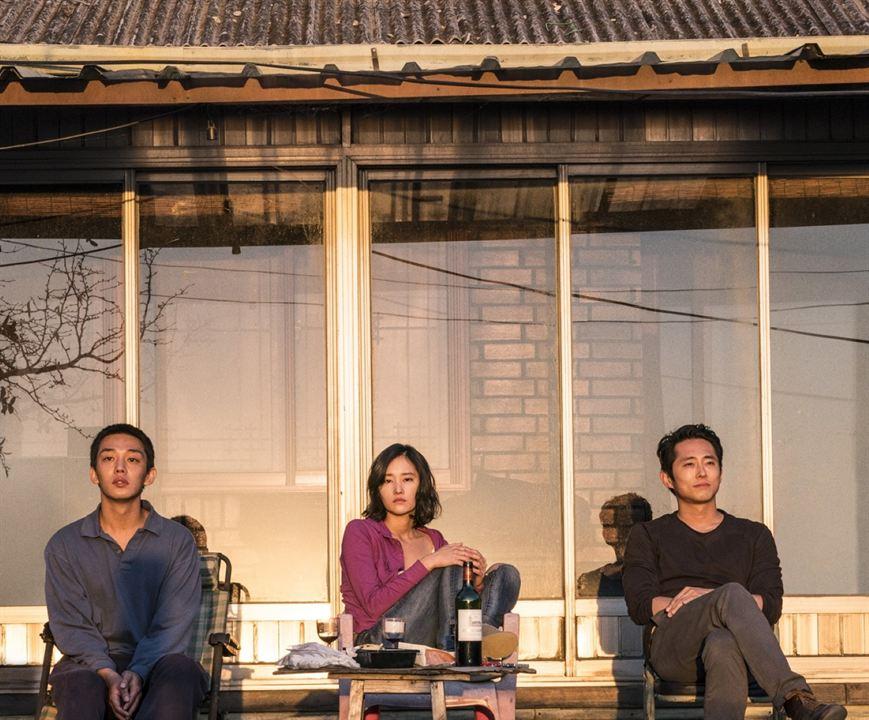 Burning : Photo Jeon Jong-seo, Steven Yeun, Yoo Ah-In