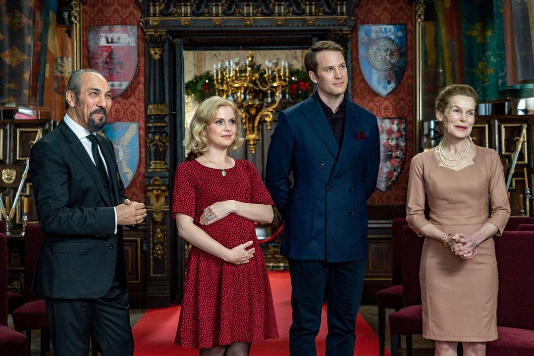Photo de Ben Lamb - A Christmas Prince: The Royal Baby : Photo Ben Lamb, Rose McIver - AlloCiné