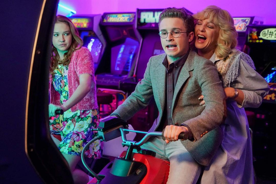 Photo Sadie Stanley, Sean Giambrone, Wendi McLendon-Covey
