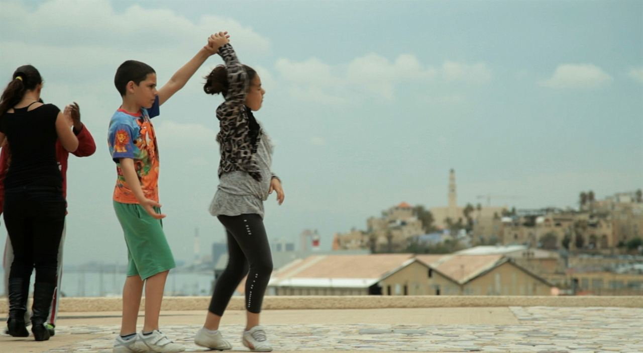 Dancing in Jaffa : Photo