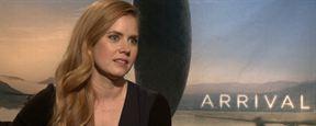 """Premier Contact : Amy Adams """"aime l'idée que nous ne soyons pas seuls dans l'univers"""""""