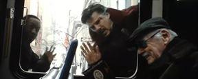 Stan Lee souffle ses 94 bougies ! Hommage au maître en 23 caméos