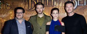 La Belle et la Bête : Emma Watson, Dan Stevens et Luke Evans prennent la pose parmi les roses
