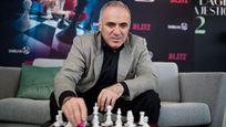Cannes 2019 : une partie d'échecs avec Kasparov, un selfie avec Takashi Miike et des fauteuils qui claquent, notre cinquième journée sur la Croisette