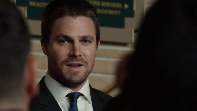 """Arrow - saison 6 - épisode 2 Extrait VO """"Bruce Wayne"""""""