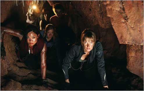 The Descent : Photo Natalie Jackson Mendoza, Neil Marshall, Saskia Mulder, Shauna Macdonald