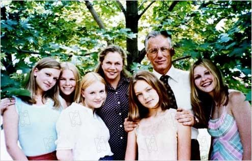 Virgin suicides : Photo A. J. Cook, Chelse Swain, James Woods, Kathleen Turner, Kirsten Dunst