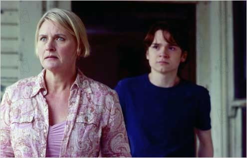 Mortuary : Photo Dan Byrd, Denise Crosby, Tobe Hooper