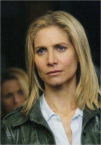V (2009) : Photo Elizabeth Mitchell
