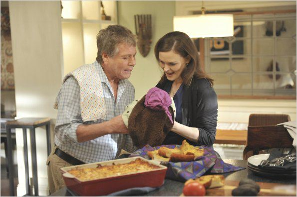 Bones : photo Emily Deschanel, Ryan O'Neal