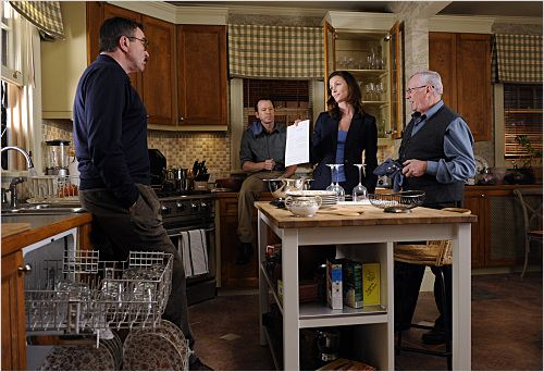 Blue Bloods : photo Bridget Moynahan, Donnie Wahlberg, Len Cariou, Tom Selleck