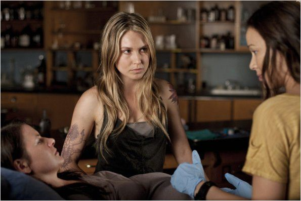Photo Melissa Kramer, Moon Bloodgood, Sarah Carter