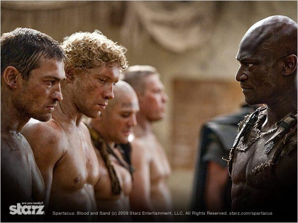 Spartacus : Photo Andy Whitfield, Jai Courtney, Peter Mensah