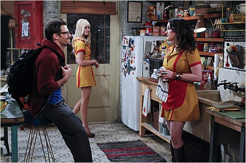 2 Broke Girls : photo Beth Behrs, Kat Dennings, Nick Zano