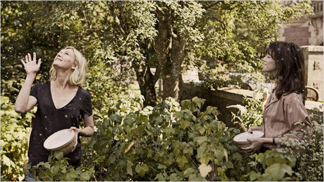 Melancholia : Photo Charlotte Gainsbourg, Kirsten Dunst