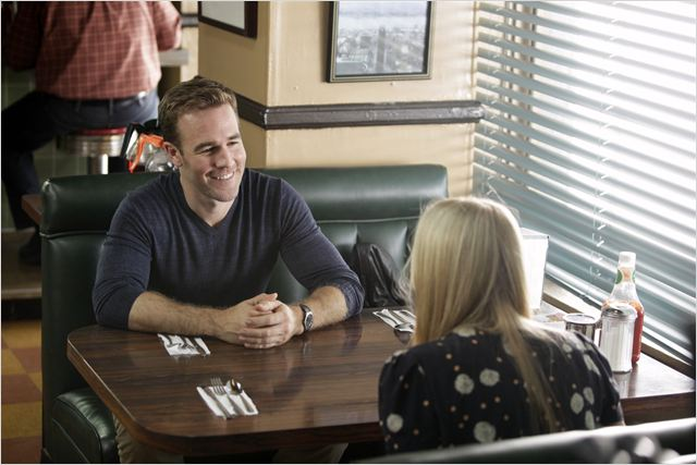Don't Trust The B---- in Apartment 23 : photo Busy Philipps, James Van Der Beek