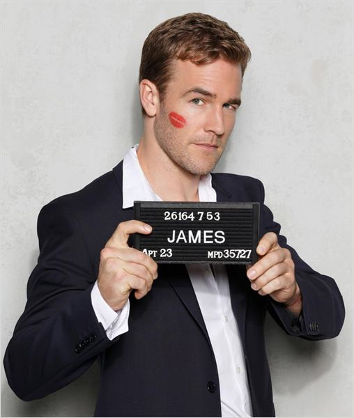 Don&#39;t Trust The B---- in Apartment 23 : photo James Van Der Beek