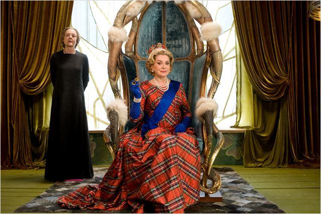 Astérix et Obélix : au service de Sa Majesté : Photo Catherine Deneuve