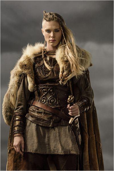 Photo de Gaia Weiss dans la série Vikings : Photo 17 sur ...