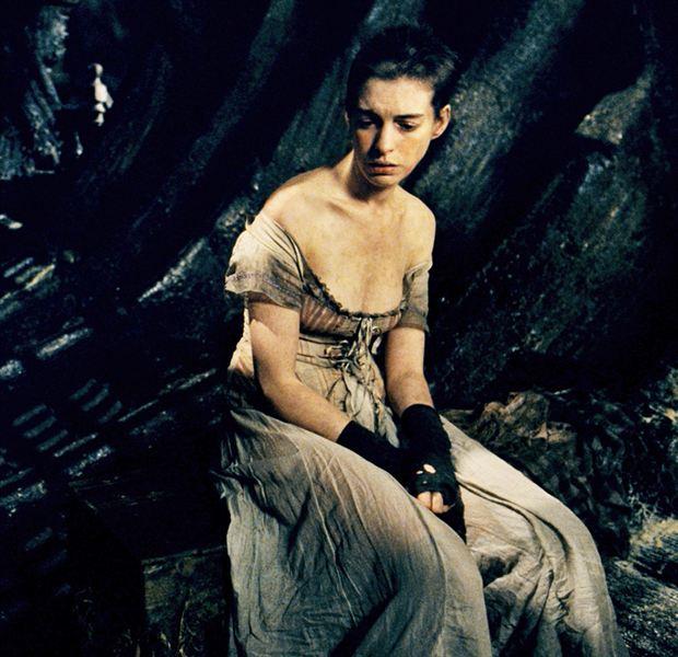 Anne Hathaway Ziegfeld Theatre: Charlize, Angelina, Natalie... 20 Actrices