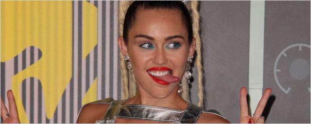 Miley Cyrus chez Woody Allen : elle rejoint son projet de série pour Amazon !