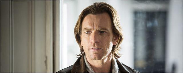 """Ralph Fiennes et Mads Mikkelsen pressentis, un scénariste de film culte aux commandes, nouvelle adaptation de John Le Carré... 5 choses à savoir sur """"Un traître idéal"""""""