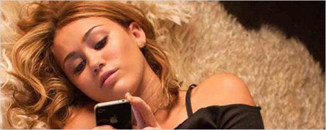 Découvrez Miley Cyrus dans la série de Woody Allen Crisis In Six Scenes